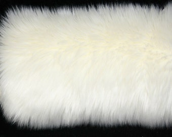 Ivory  Fluffy  FAUX FUR Muff  Hand  Warmer Brand NEW!!