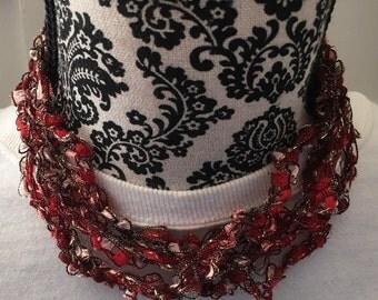 Trellis yarn necklace