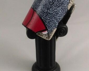 KIFAHARI Cuff Bracelet, with the wax, ethnic, elegant style to the finishing fabrics. Black felt, metal corner.