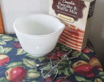 Pyrex White Mixing Bowl, Vintage Kitchen
