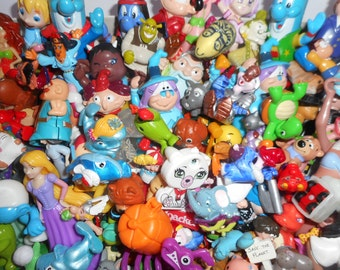 OCCASION mixed lot number 220 stocking fillers/miniature toys/gadgets vintage sale