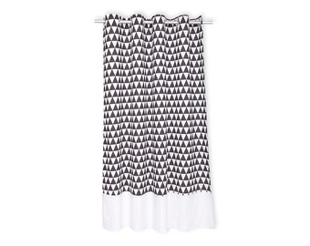 KraftKids curtains - black triangles and white