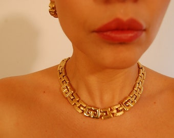 Auth Vintage Signed GIVENCHY Gold Plate Iconic Insignia Basketweave Necklace & Clip Earrings Set