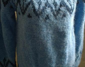 Handmade wool scandinavian sweater