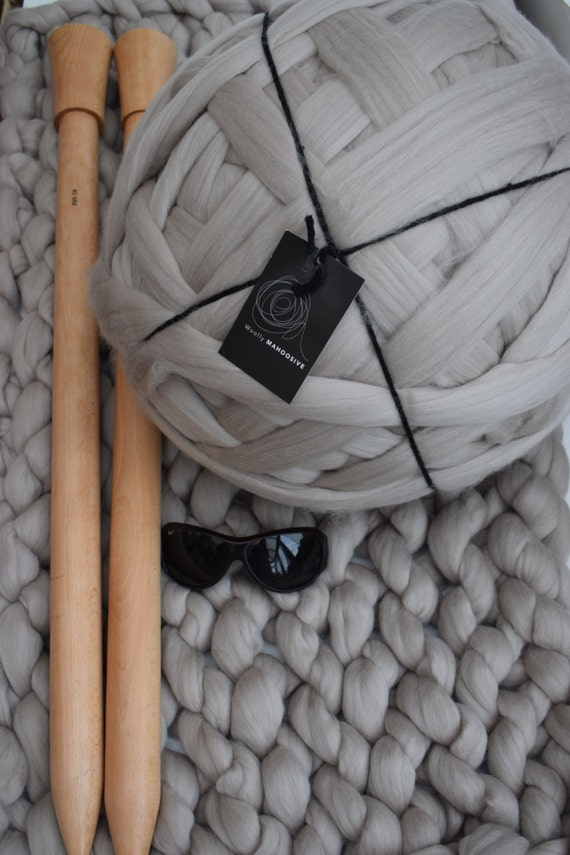 Giant Knitting Needles Uk : Giant knitting diy merino blanket super chunky by