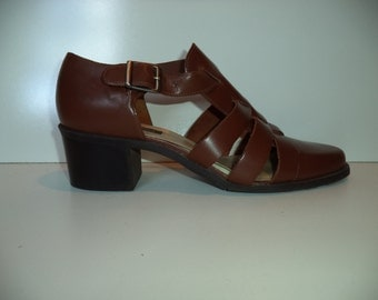 Woven strap Mary Jane sandals with chunky heal// Vintage 90's Westies// Women's size 9 US