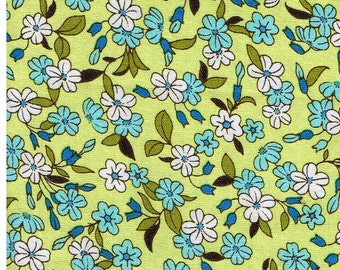 Fat Quarter, GRN1181FQ,  100% Cotton Fabric, Teal and White Flowers, Green Leaves on Green