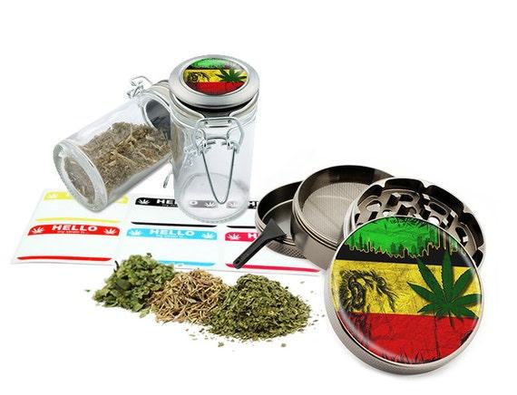 "Rasta Skull - 2.5"" Zinc Alloy Grinder & 75ml Locking Top Glass Jar Combo Gift Set Item # G022015-021"