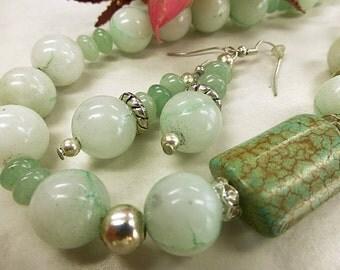 Verdant jade set with turquoise