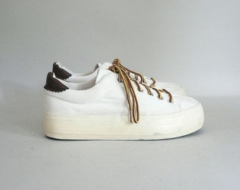 Womens 90s Platform White Canvas Sneakers Size 8.5