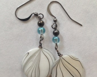 Earrings i (wonderland collection)