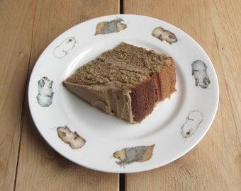 "8"" Rimmed Guinea Pig Plate"