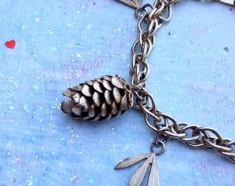 Vintage Gold Tone Pinecone and Leaf Bracelet