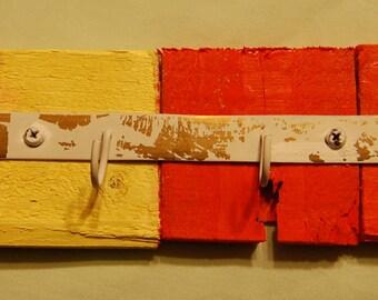 Rusitc key holder