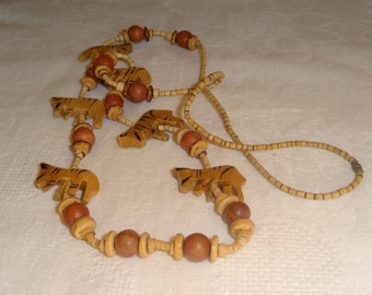 Pretty Vintage Wood Figural Zebra Necklace. Wooden Animal Jewelry. Wooden Beads. Handcraft. Handmade