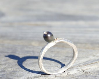 Pearl and Gold Bauble Ring