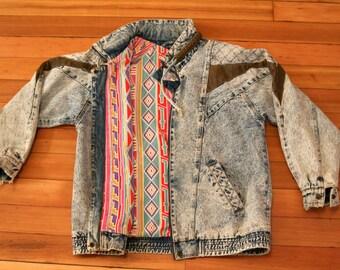Vintage Denim Jacket Acid Wash with Vibrant Southwestern Detail - Medium