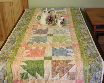 Quilted Table Runner Spring Colors, Handmade quilt, hand-made Runner,Quilted Bed Runner, Quilted Table runner, Hand-made Quilt table runner