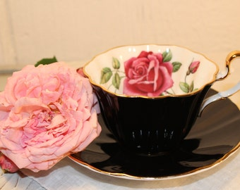 Adderley: elegant tea cup and saucer, white, black and red