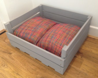Handmade Dog bed - Made with reclaimed wood
