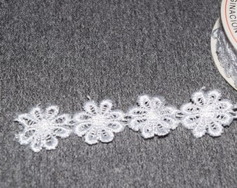 Lace Ribbon white flowers, ribbon, design black, sewing, sewing and embroidery, crochet, finished 1 m (1Y) width 25 mm