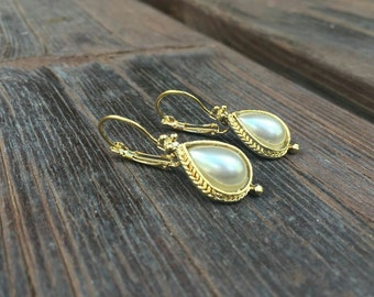 Gold plated earrings glass pearl gold plated stud earrings perfect gift for her