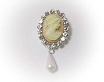 Brooch Vintage Inspired Lady Cameo Head with Pearl and diamante bling