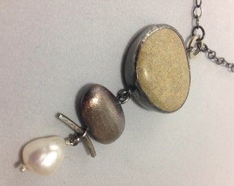 Pendant with Riverstone and Pearl