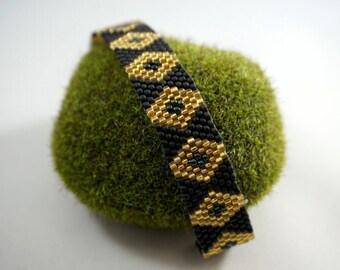 Diamond Pattern Peyote Bracelet
