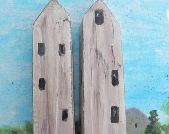 2 decorative wooden house