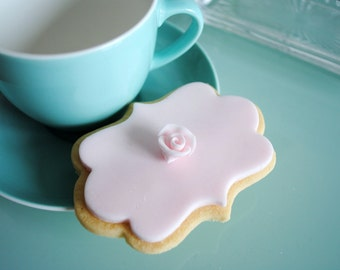 Pink biscuit Gift/Iced Biscuits/ Decorated cookies/ Edible Gift/Gift for her/ mum/ girlfriend