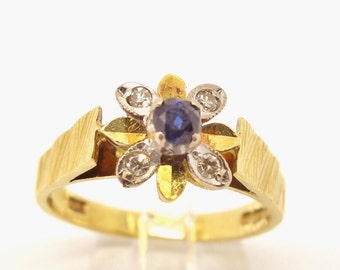 Vintage 18ct Sapphire & Diamond Cluster Ring - Size UK L 1/2   US 6 1/4   Free Sizing / Shipping