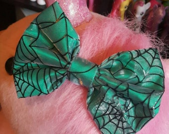 Spidey bow  (green)