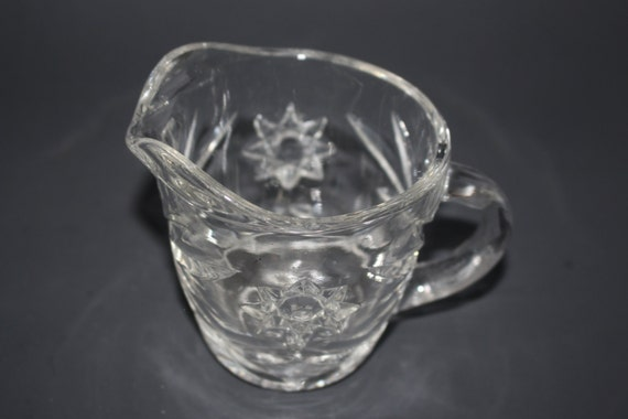 Starburst pattern creamer cup vintage cut glass starburst - Starburst glassware ...