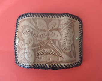 Leather 6 hook key case / Hand Made / Hand Carved / Hand Tooled /  Canadian made / All Occasions /  Customizing  / STOCK  # 7071 A .