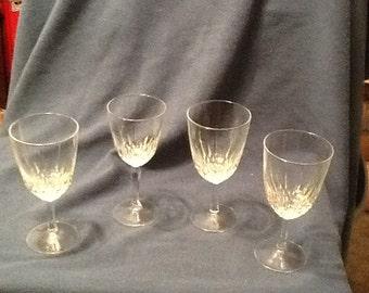 4 crystal glasses