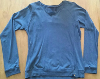 Carharrt large blue sweater