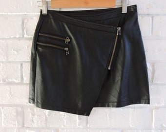 NASTY GAL Asymetric Faux Leather Skirt With Zipper Detail