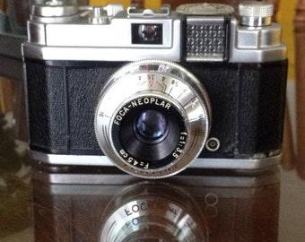 Camera film foca-neoplar
