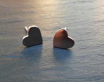 Handmade shiney silver stud earring