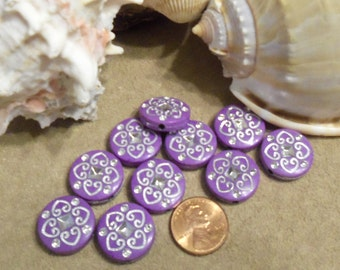 18 mm Flat Round 20 Acrylic Beads Purple with Silver Hearts (2009)