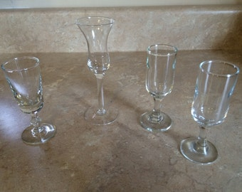 Set of 4 glass shot glasses