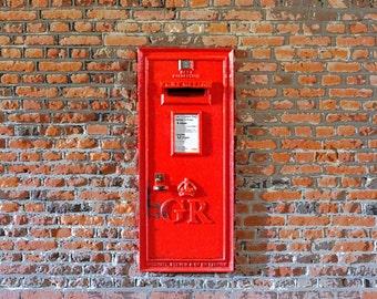 London, city, Hampton Court, letter box, post box, George V, historical,  red, wall art, gift, postman, historian, digital print