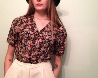 1990s Vintage Floral Blouse with Tie in back
