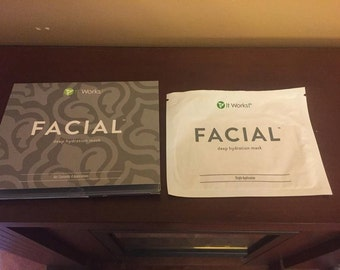 It works Facial deep hydration mask (includes bonus sample)