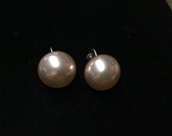 Vintage Earings, Screwback, Large Bead, Pearl Finish, Peach