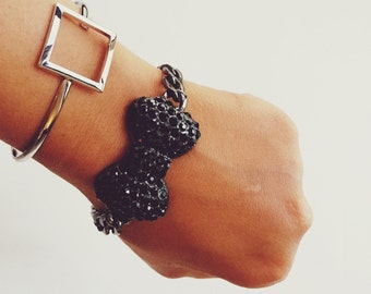 Bowtie bracelet