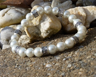 White Glass Pearl and Silver Stretch Bracelet 1010437