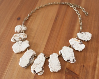 Chunky White Turquoise Statement Necklace, Southwestern Turquoise Necklace, Natural Stone Necklace, White Bib Necklace, Boho Necklace