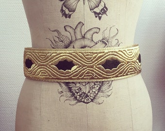 Belt vintage 70 s embroidered Golden son
